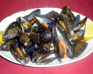 Grilled mussels from Menorca